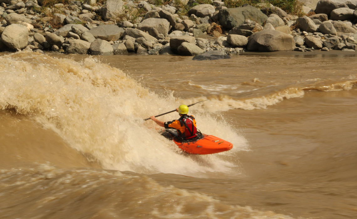 kayak surfing chicamocha