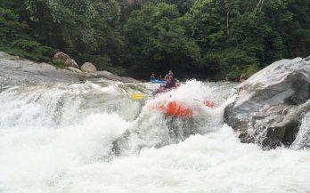 raft in the rapids rio calderas