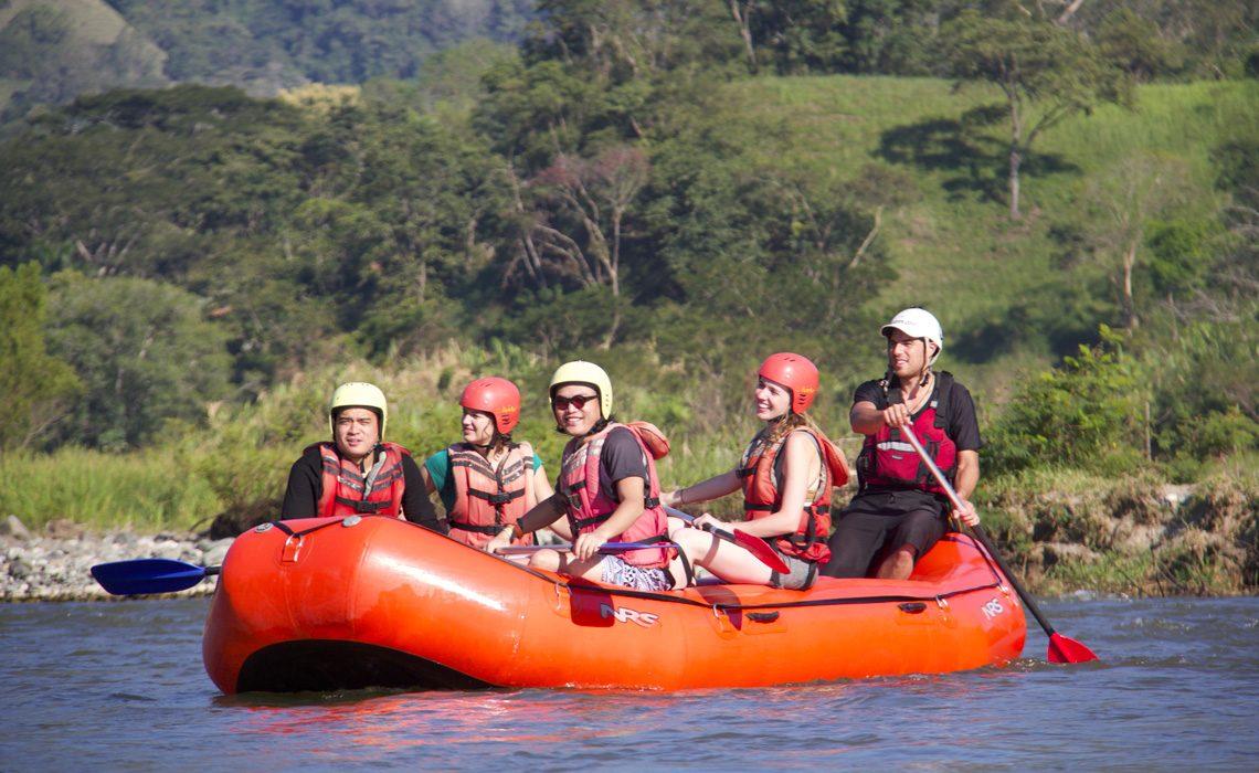 rafting medellin river colombia