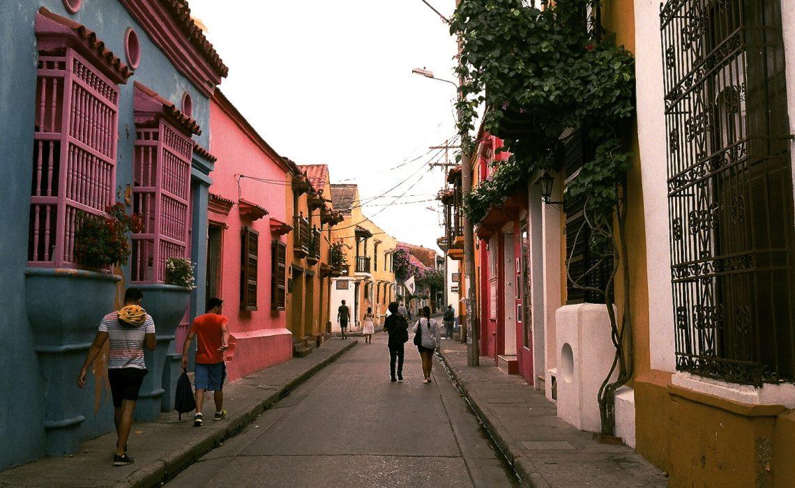 cartagena streets walkers