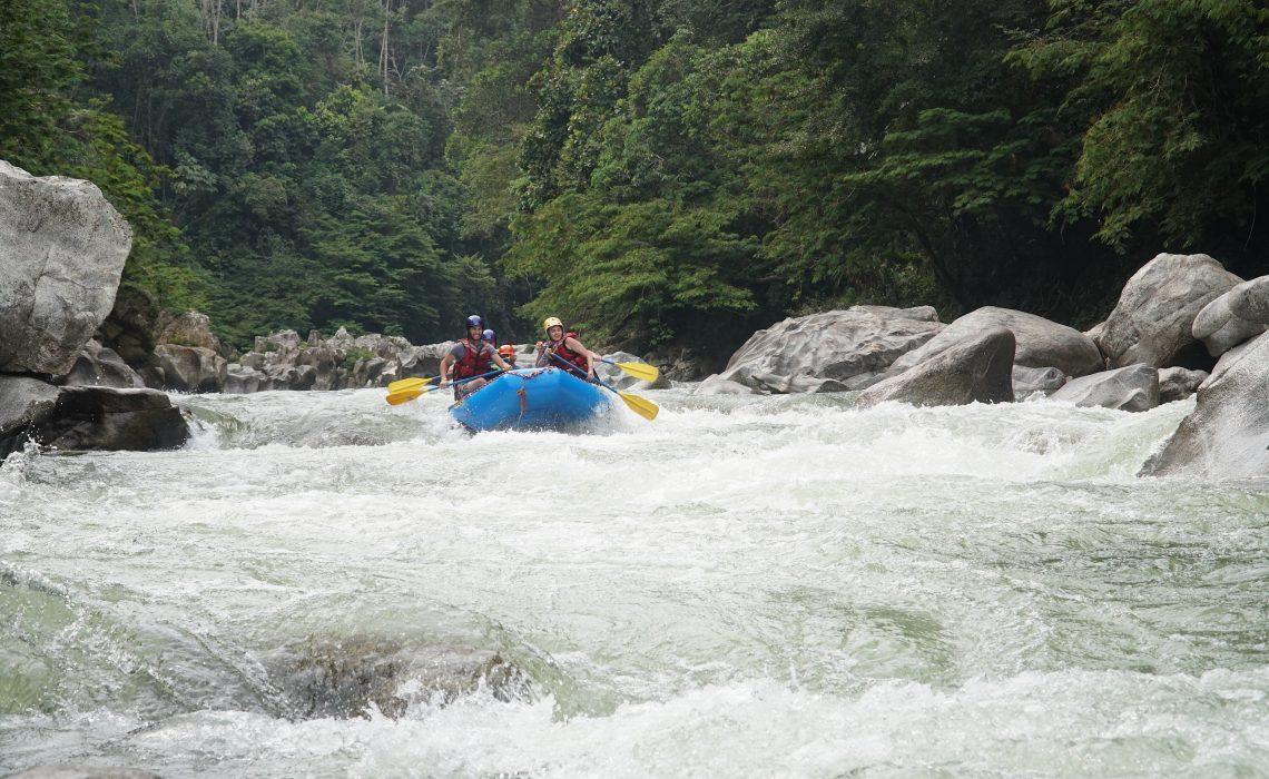 whitewater rafting rio calderas