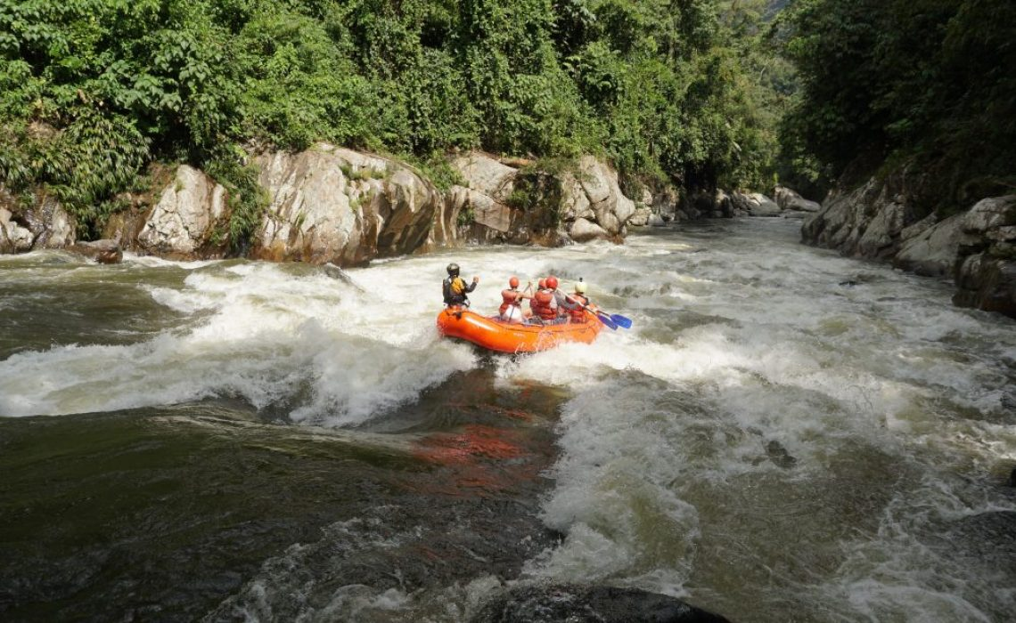 rapid river rafting colombia