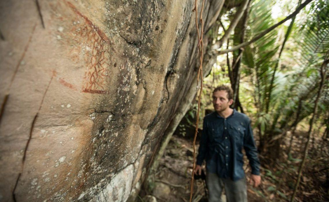 petroglyphs visit tourist
