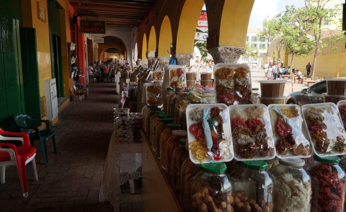 street market cartagena colombia