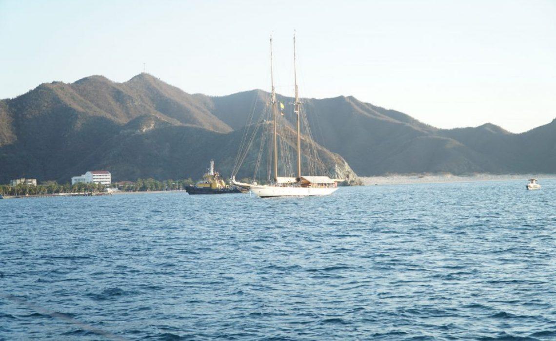 ocean sailling