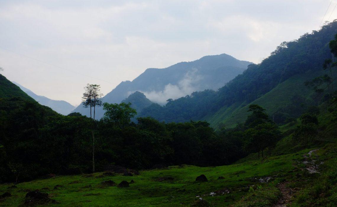 cloudy mountains jungle trek camino