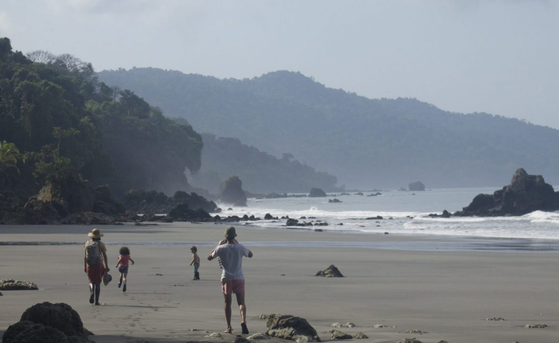 beach mountains jungle colombia