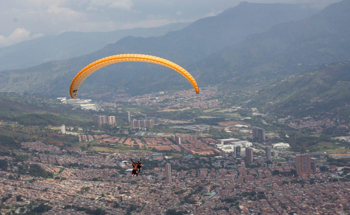 paragliding medellin jungle