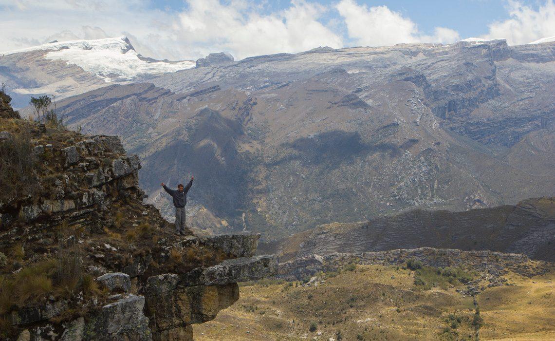 trek hiker mountains colombia