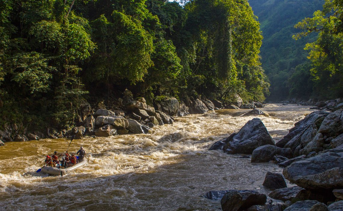 rafting jungle river colombia